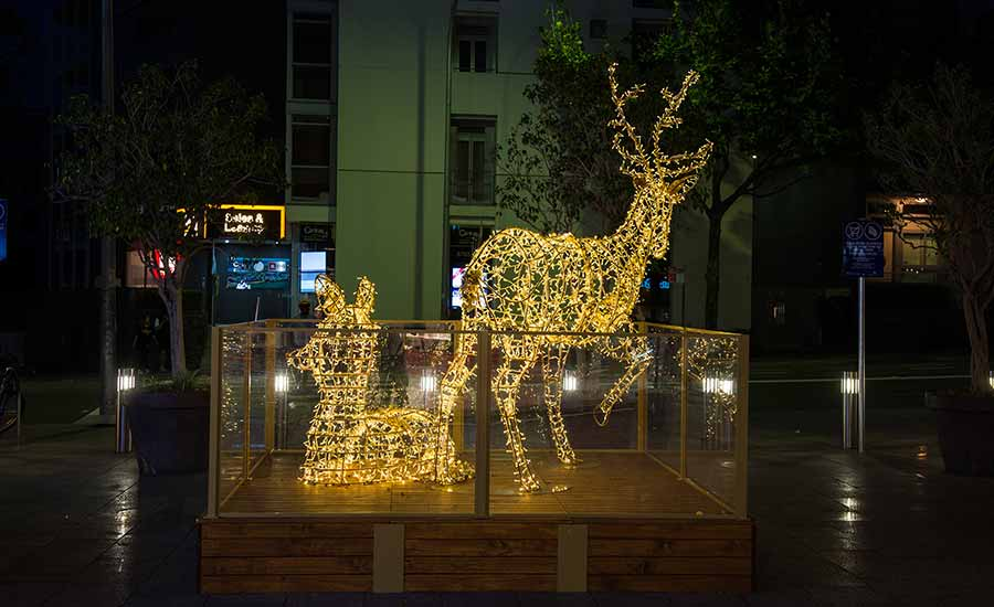 Rhodes Shopping Centre Outdoor Christmas Decorations
